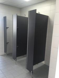 Duschtrennwände_HPL_Sichtschutzwand_Feldmann Trennwand